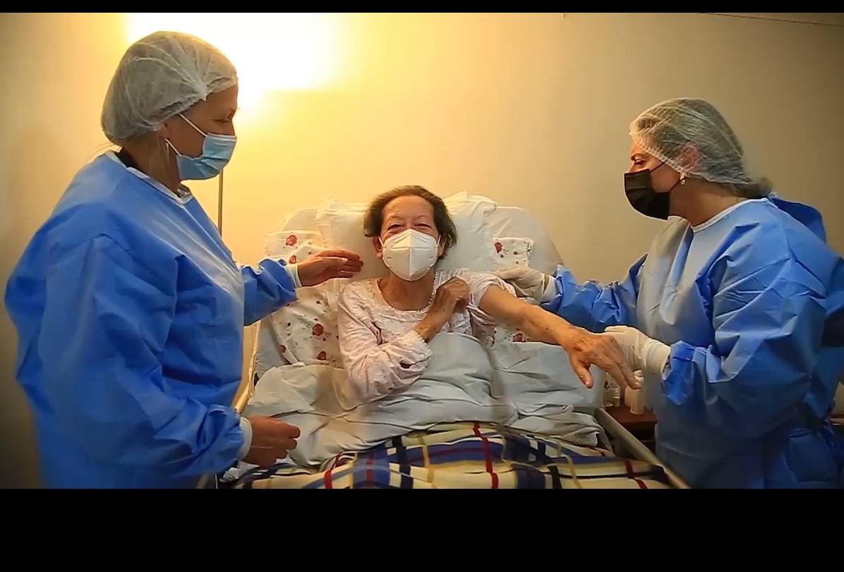 CESFAM Dr. V.M.F. Comienza Vacunación Domiciliaria Contra Covid-19 A Pacientes Postrados