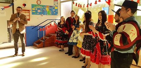 Pacientes Y Cuidadores Del Centro Comunitario De Rehabilitación Celebran Fiestas Patrias Con Fonda Inclusiva
